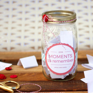 How to Make a Memory Jar (+ Printable Label!)