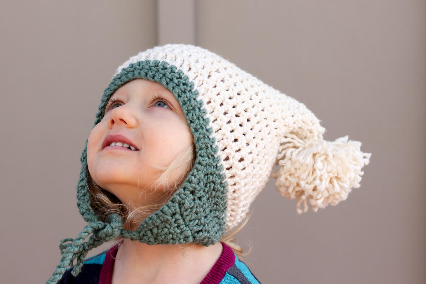 Crochet Newborn Pom Pom Hat Pattern : Free Beginner Crochet Beanie Hat Pattern