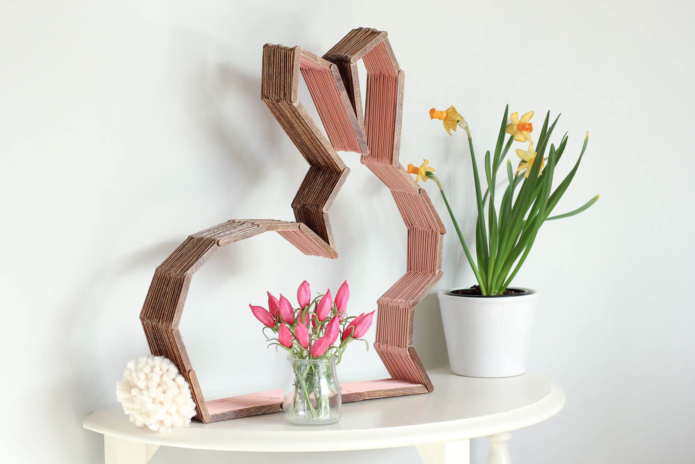 Diy modern bunny wall decor perfect for easter or a nursery for Diy easter decorations for the home