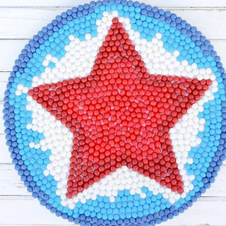 "Make a Patriotic Mandala ""Wreath"" (Using Skittles!)"