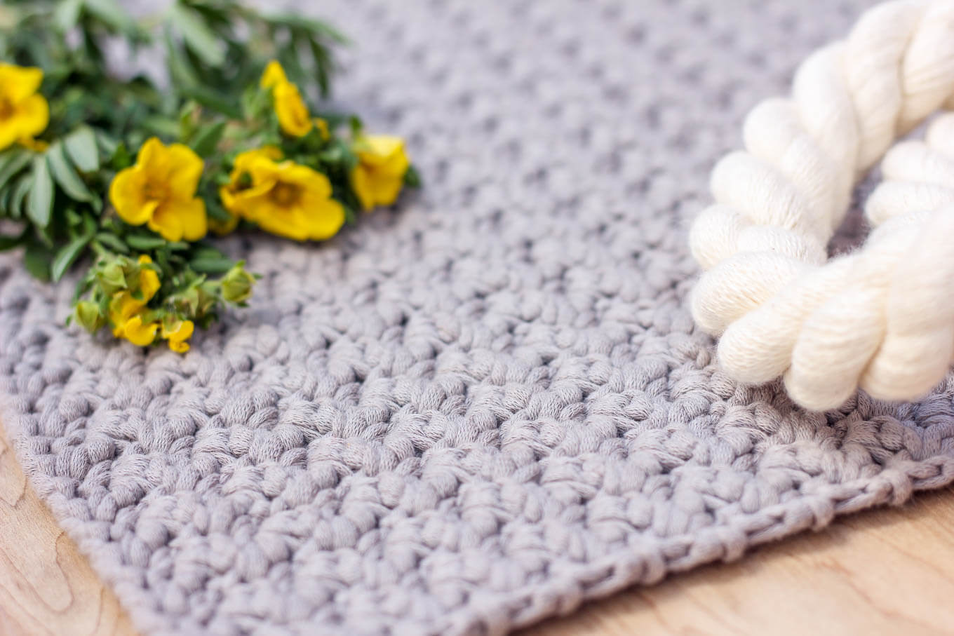 "The ""Suzette"" crochet stitch is very easy and simple, but creates lovely texture. Click for the full tutorial."