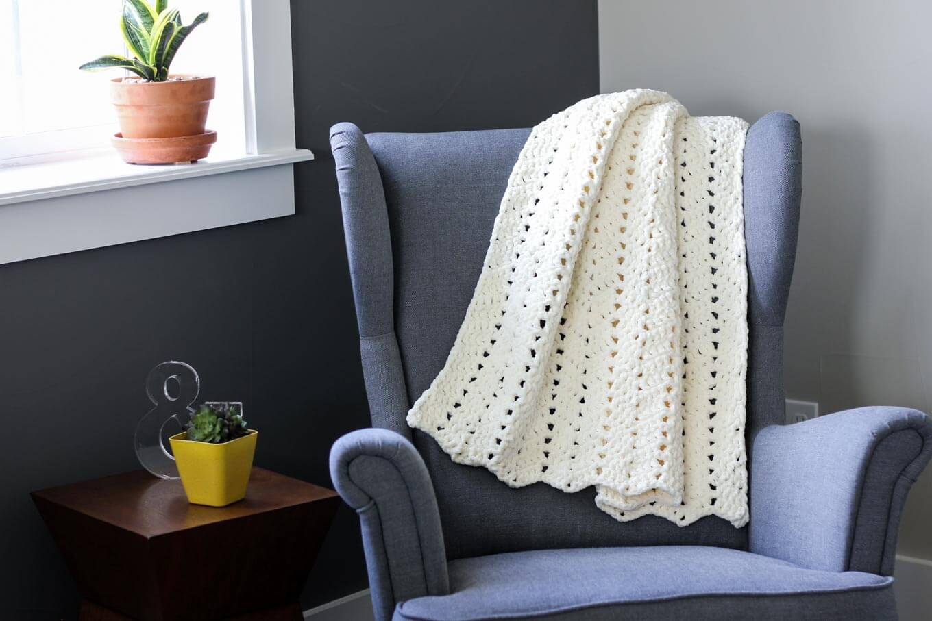 Free Modern + Chunky Crochet Blanket Pattern - Beginner-Friendly