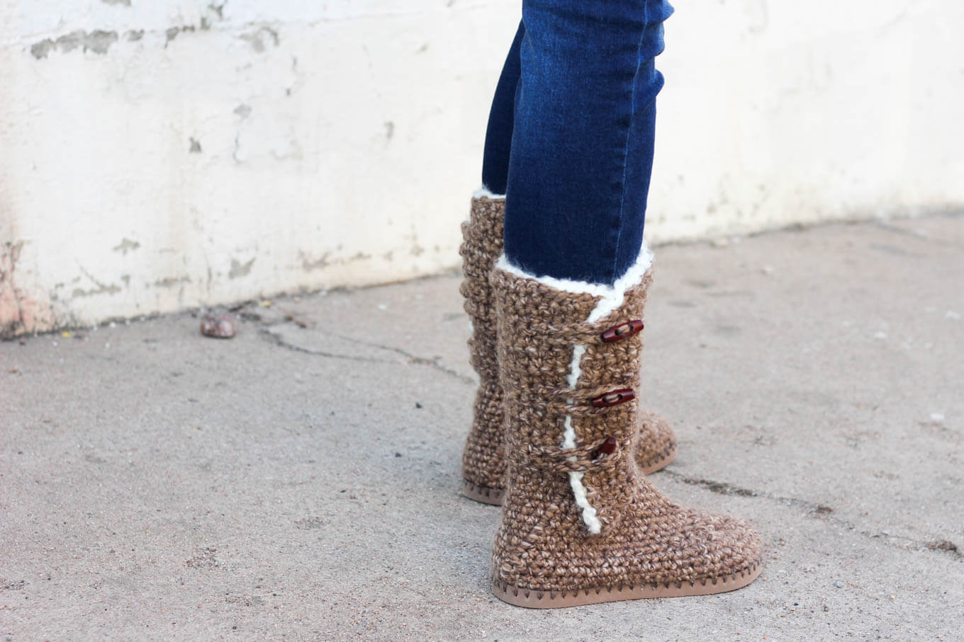 Learn how to make crochet UGG boots with flip flop soles in Part 1 of this