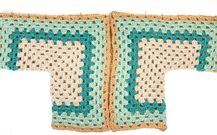 How to make a crochet hexagon sweater (or jacket.) Such an easy first crochet sweater project!