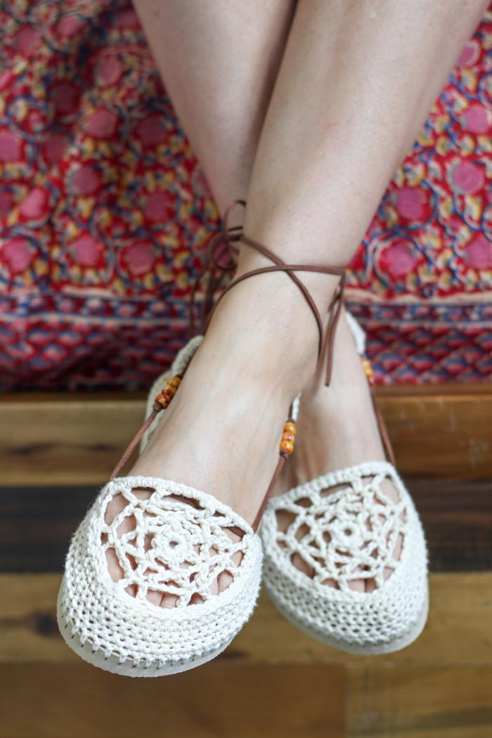 DIY boho style! These crochet sandals with flip flop soles would look so cute with a summer sundress. Free pattern from MakeAndDoCrew.com.