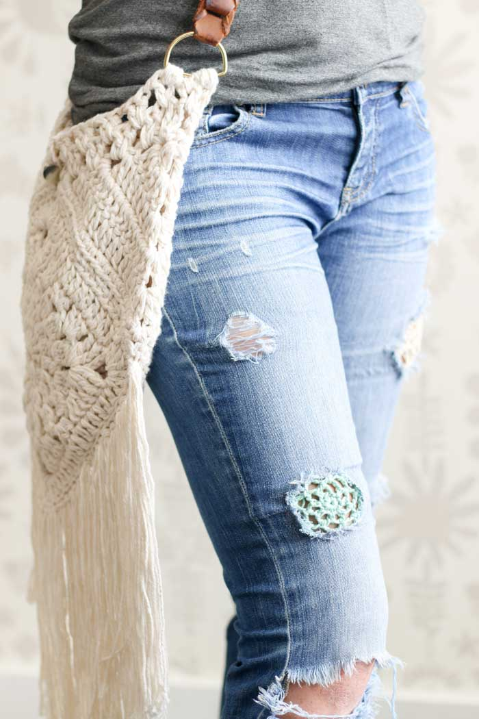How to add crochet to jeans to achieve the perfect boho look! Free crochet boho bag pattern as well.
