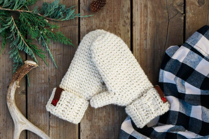 3 hour chunky crochet mittens free pattern detailed tutorial