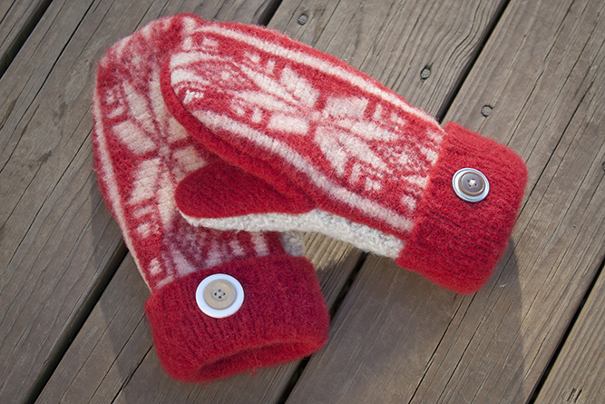 how to make mittens out of a sweater. full tutorial and printable pattern! | MakeAndDoCrew.com