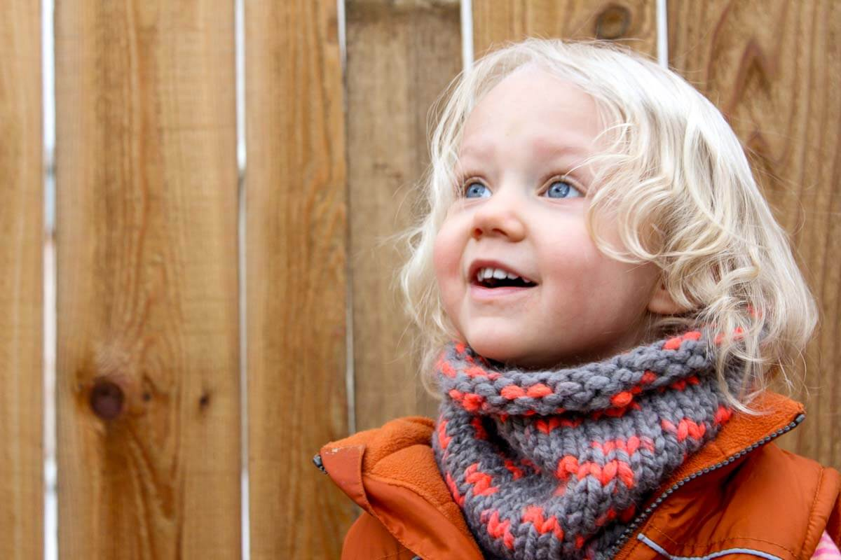 "Super easy cowl scarf to make for a DIY gift this year. This free pattern uses Lion Brand Wool-Ease Thick and Quick in the color ""Monarch."" Sizes include toddler, child and adult. Click to view the free pattern! 