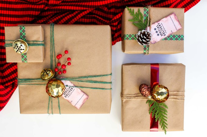 Easy Dollar Store Gift Wrap Ideas (+ Free Gift Tags!)