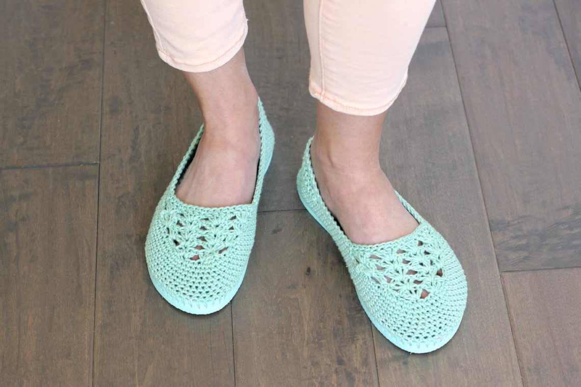 "Fun! Cotton yarn and a rubber sole make this free crochet slippers with flip flop soles pattern perfect for wearing around the house (or even outside as shoes!) Free crochet pattern and video tutorial using Lion Brand 24/7 Cotton in ""Mint""!"