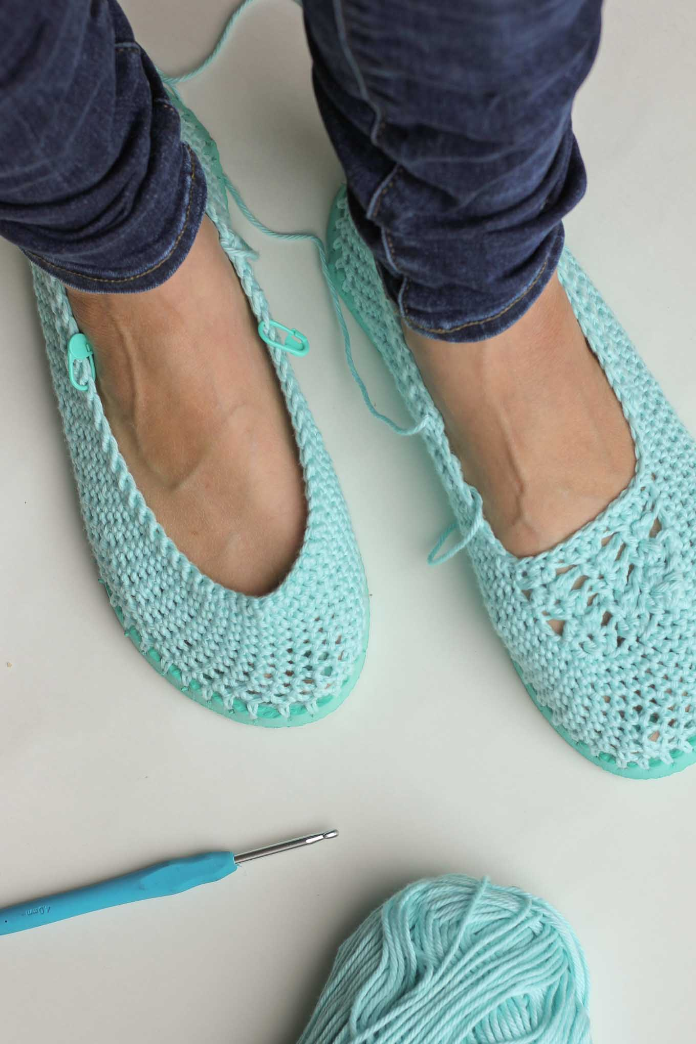How to crochet slippers with flip flop soles make do crew for What does it mean to flip a house