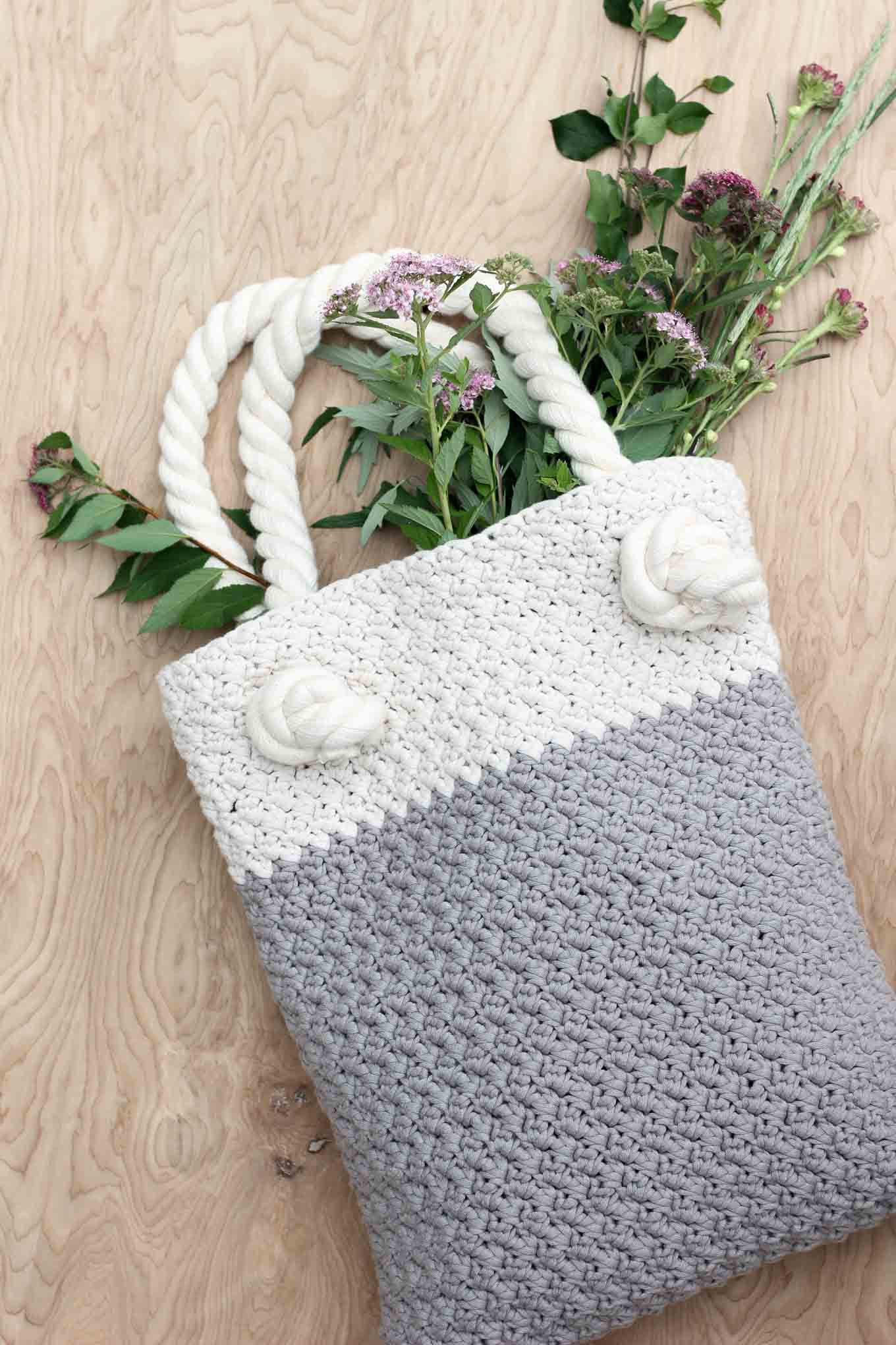 Crochet Beginning Patterns : Easy + Modern Free Crochet Bag Pattern for Beginners