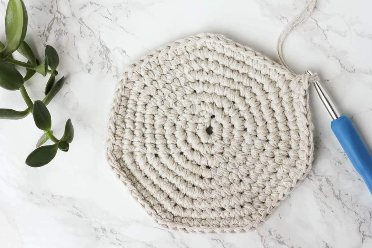 Twine-Leather-Free-Crochet-Basket-Pattern