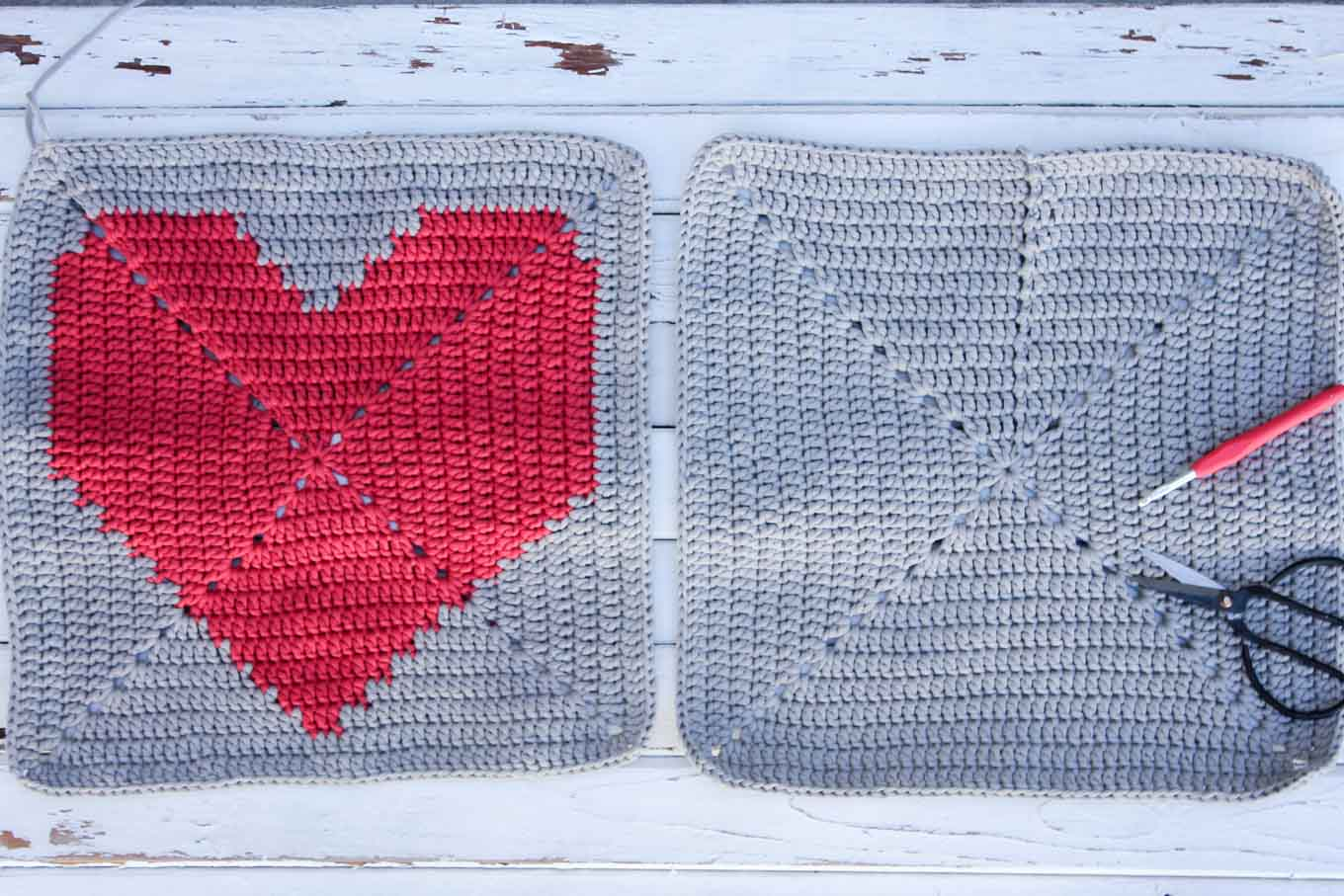 This free crochet pillow pattern with a modern heart makes a perfect DIY gift or dorm room decorating idea. Square cushion pattern includes written instructions, photo tutorial and a chart. | MakeAndDoCrew.com