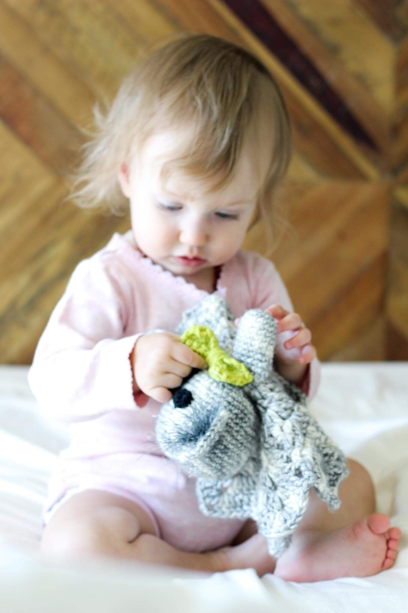 Free pattern for a crochet baby toy amigurumi koala.