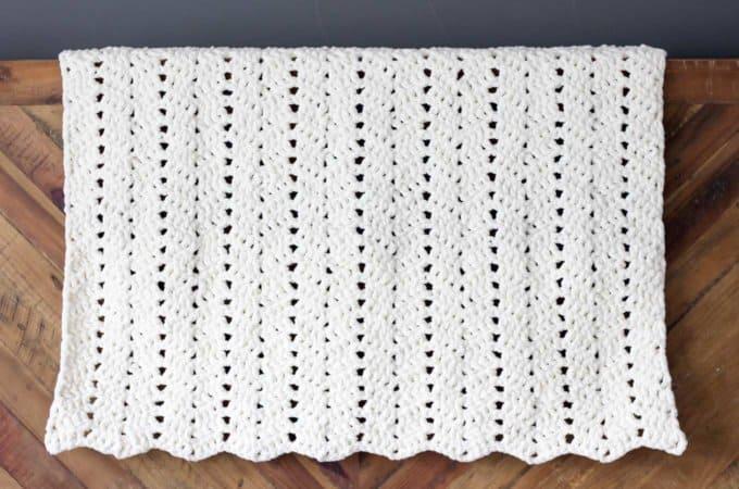 Free Modern + Chunky Crochet Blanket Pattern