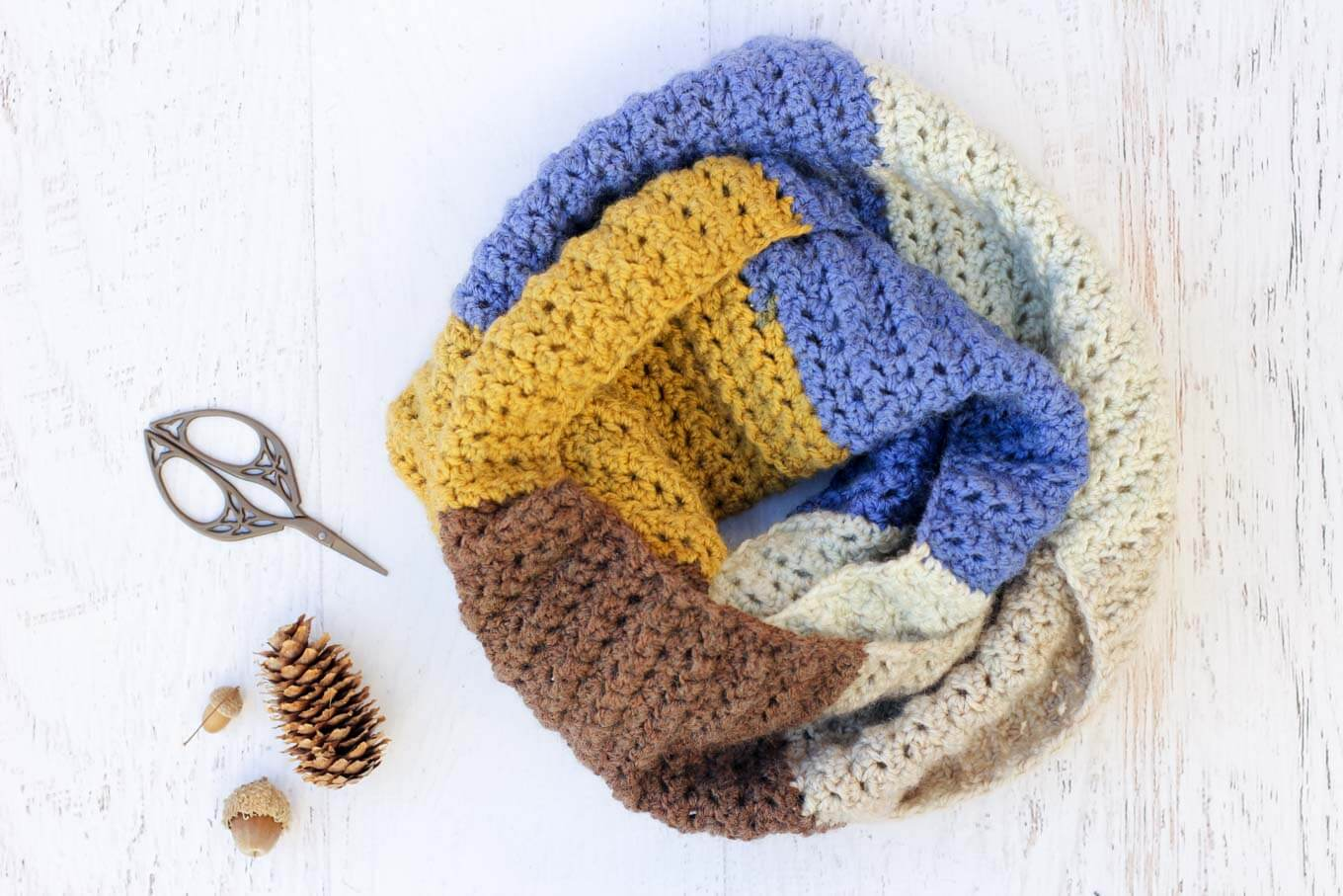 10 Crochet Gift Ideas To Make For 5 Or Less Make Amp Do Crew