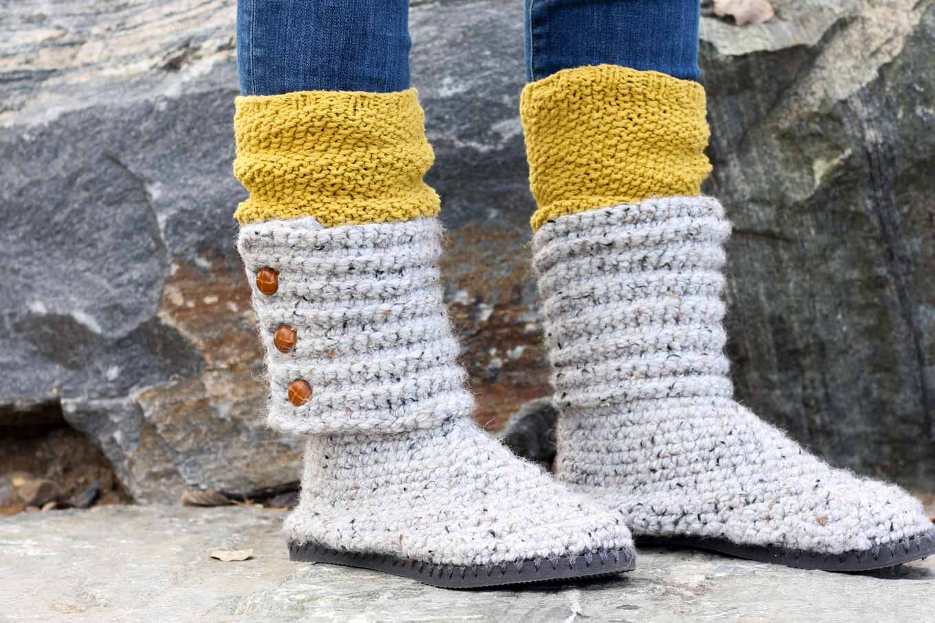 With this free pattern and crochet video tutorial you can make your own look-a-like crochet Uggs! These crochet boots with flip flops for soles make great outdoor shoes or house slippers. Made with Lion Brand Wool Ease Thick and Quick in Grey Marble.