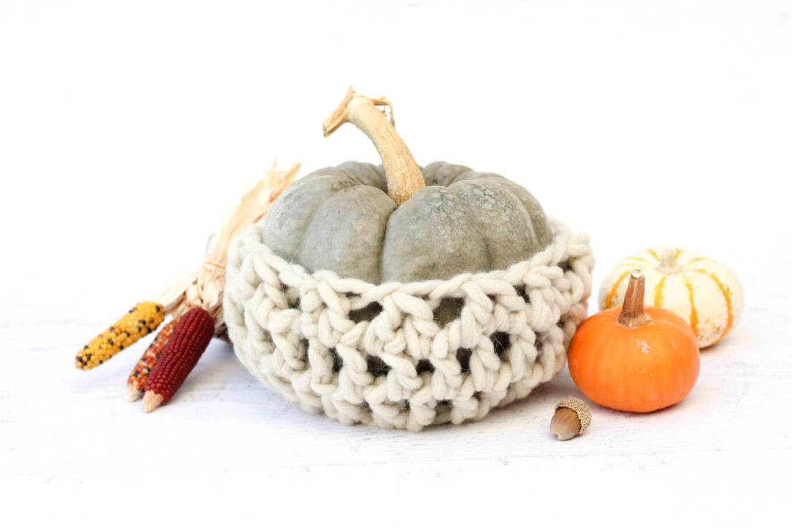 Add a chunky wool-wrapped pumpkin to your Thanksgiving tablescape with this easy fall crochet pattern! This pumpkin cozy centerpiece works up quickly in bulky yarn-L.B. Collection Natural Wool by Lion Brand.