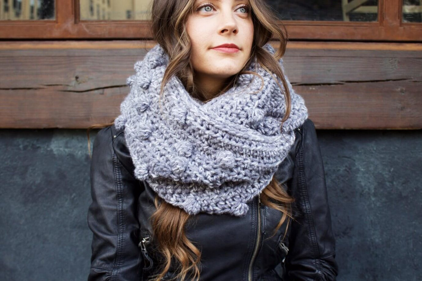 Free crochet cowl pattern for charity from Two of Wands