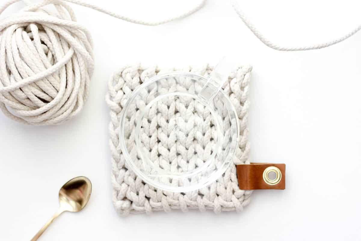 Clothesline Trivet Free Modern Crochet Pattern Using Rope