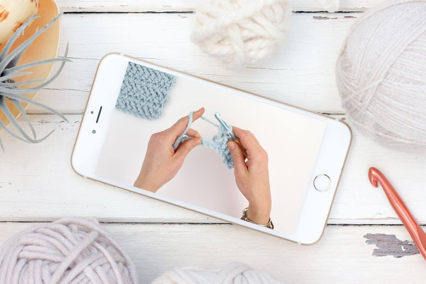 Learn how to crochet the herringbone double crochet stitch in this easy video tutorial. This modern-looking stitch is great for afghans, scarves and striped projects. Because it's based on double crochet, it also worked up really quickly!