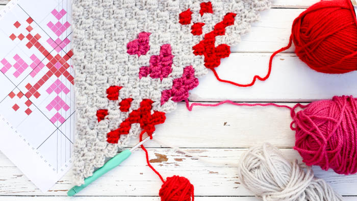 A collection of crochet stitches for blankets and afghans - including this corner to corner crochet video tutorial.