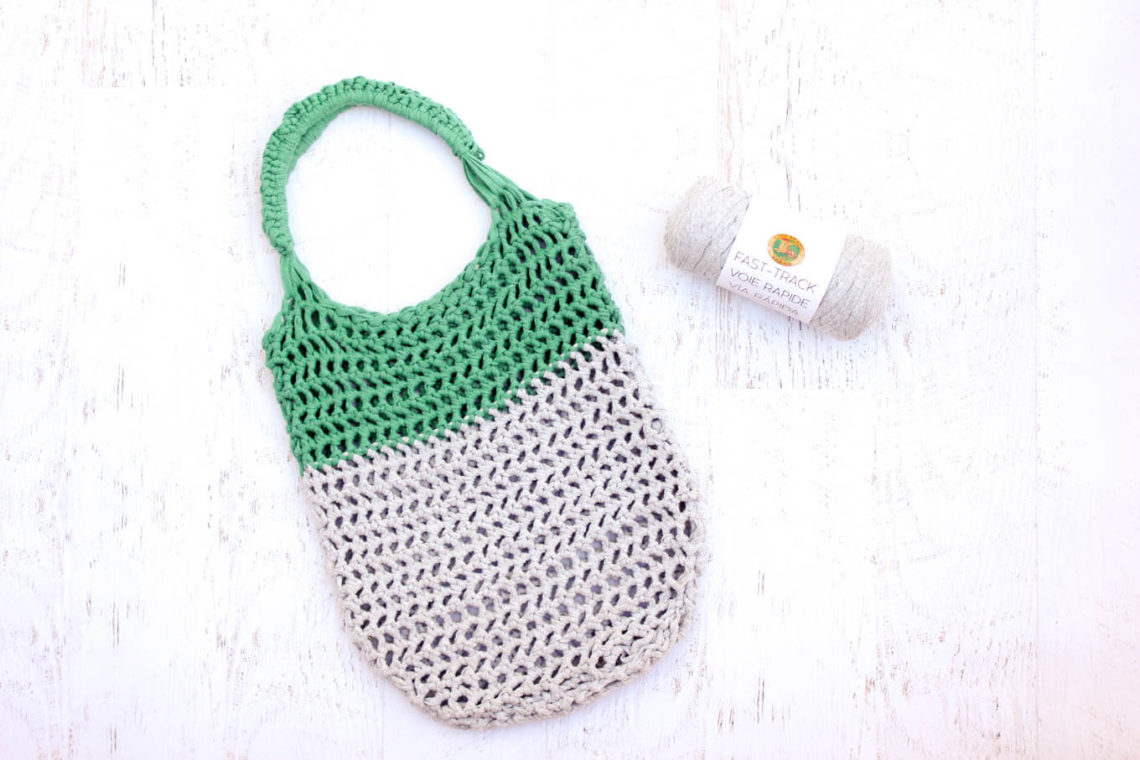 Free modern crochet tote bag pattern using Lion Brand Fast-Track yarn from MakeAndDoCrew.com.
