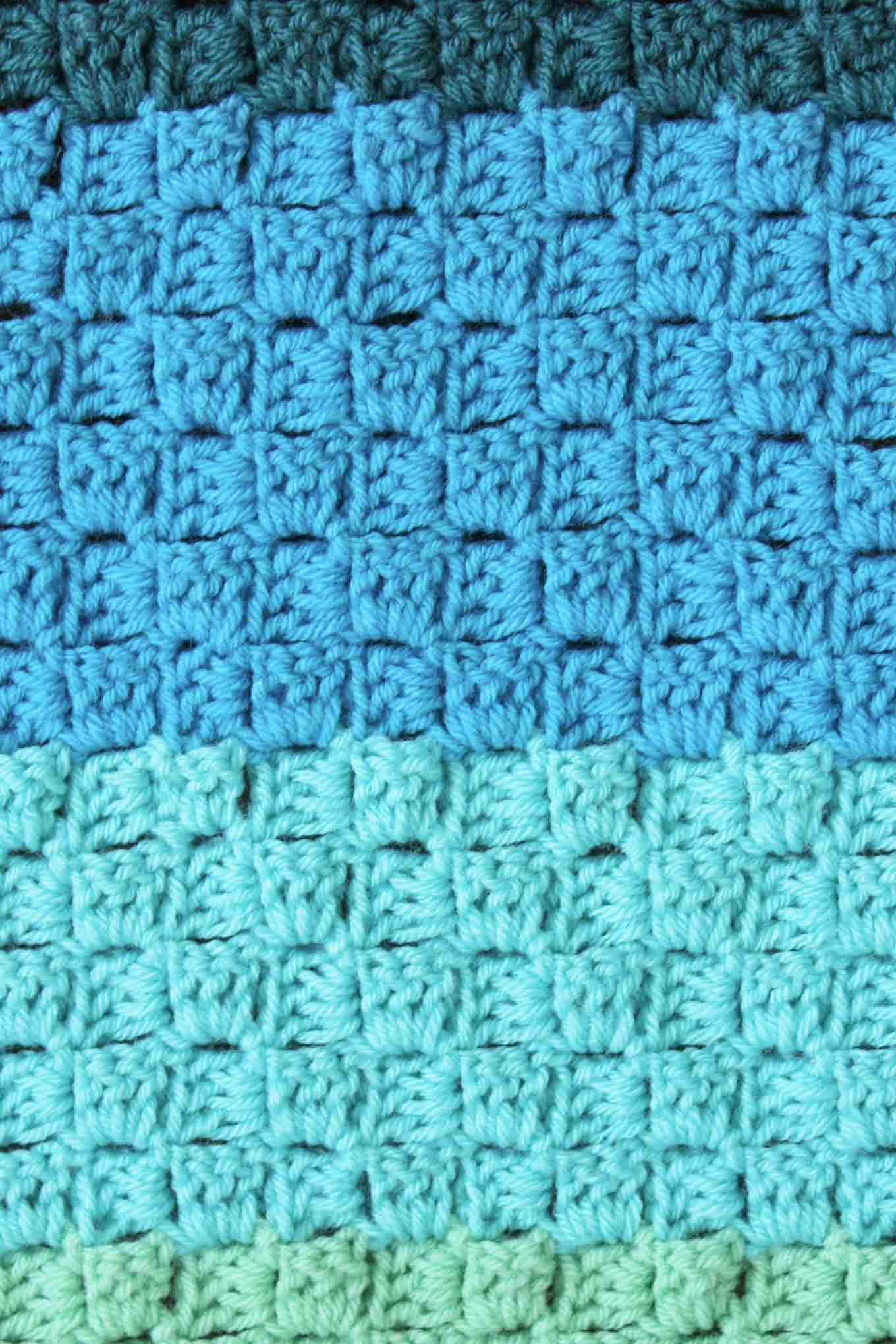 Ombre crochet! Free ombre corner to corner crochet pattern using Vanna's Choice yarn.