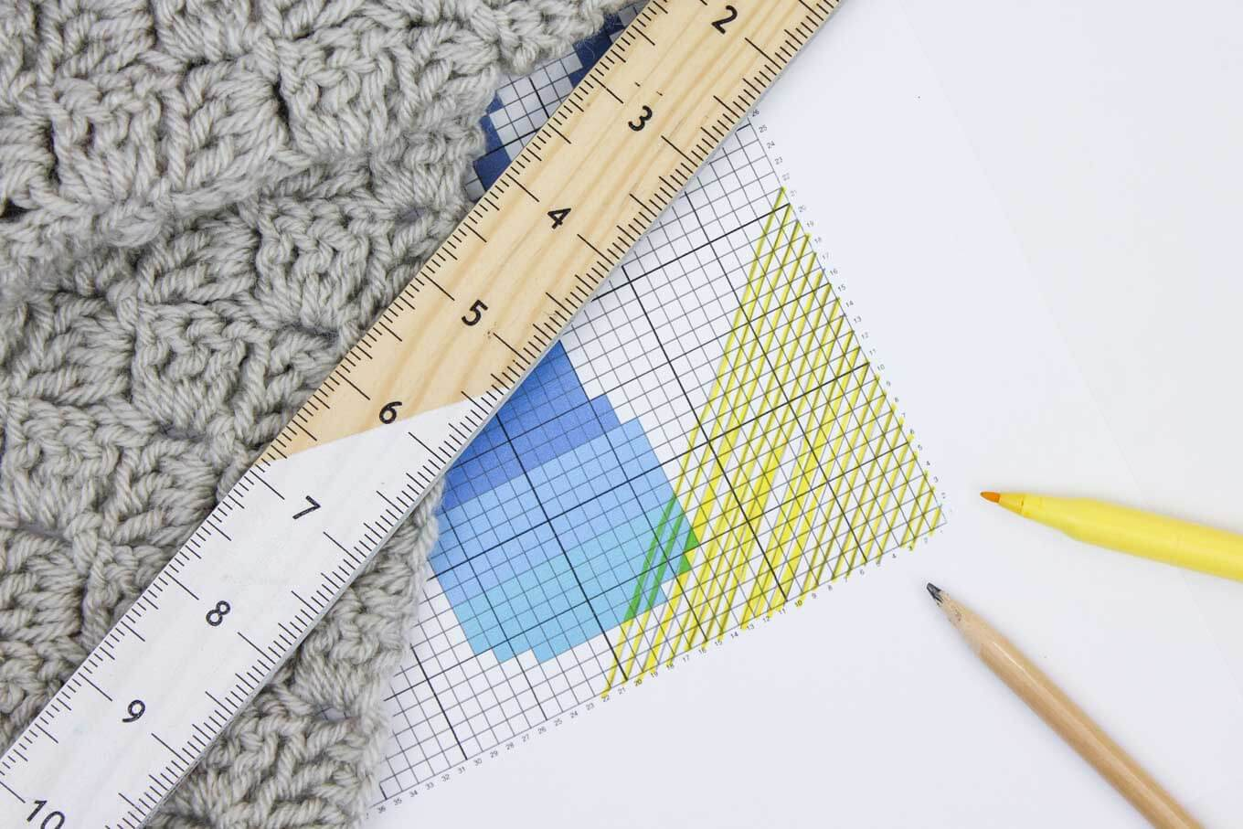 How to read a c2c crochet chart. Learn to make corner to corner crochet afghans in this beginner tutorial.