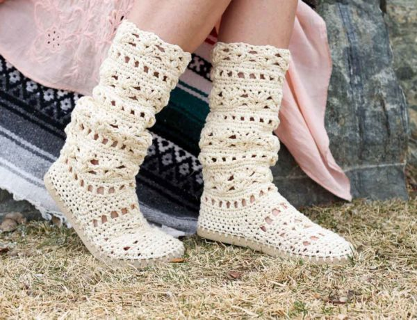 Wow! Whether you're headed to Coachella or you're local concert in the park, this crochet boots pattern for adults will complete your boho-inspired outfits all season long! Made with Lion Brand 24/7 Cotton in Ecru.