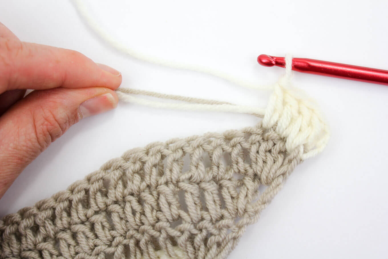 How to crochet over ends in crochet. Minimizes ends you have to weave in at the end!