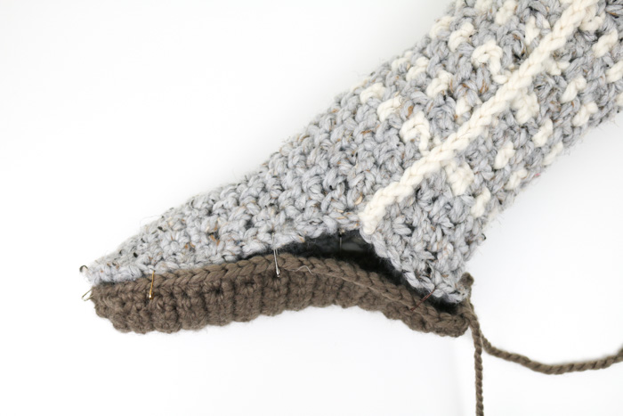 Free Pattern Tutorial Crochet Mukluk Slippers Make Do Crew