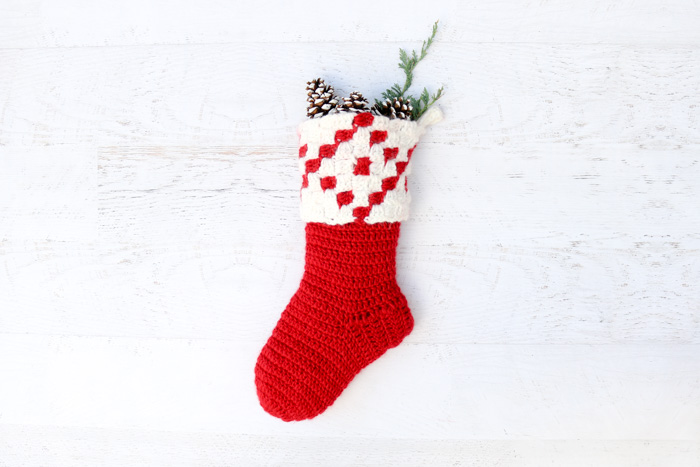 this free corner to corner c2c crochet pattern makes a gorgeous modern crochet christmas - Free Crochet Christmas Stocking Pattern