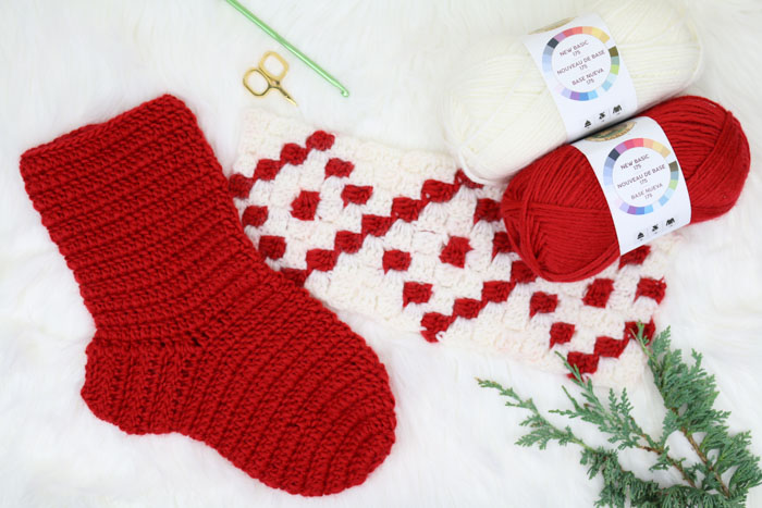 This free crochet Christmas stocking pattern is made using the c2c (corner to corner) crochet stitch with Lion Brand New Basic 175 worsted weight yarn. Free c2c graph pattern and tutorial!