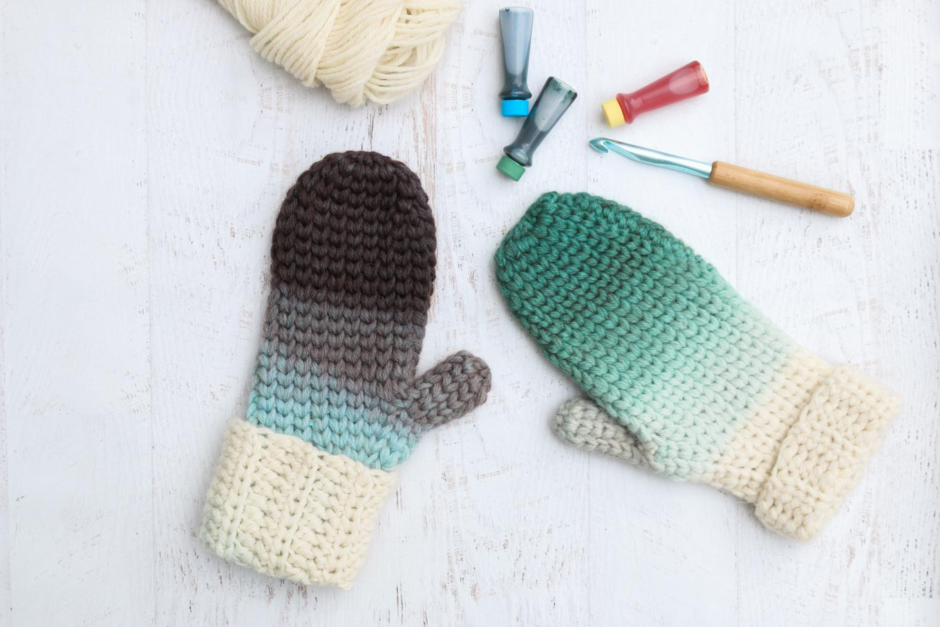 4e3af4cae628 How to Dip Dye Crochet or Knit Items With Food Coloring - Make   Do Crew