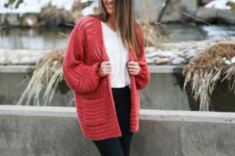 Day Date crochet hexagon sweater pattern -- includes beginner-friendly video tutorial!