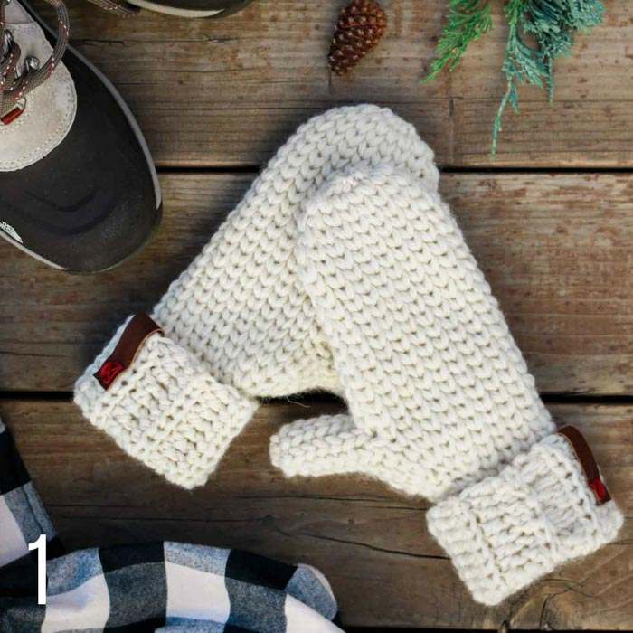 These easy crochet knit stitch mittens use the waistcoat crochet stitch to mimic the look of stockinette. Part of a collection of free crochet patterns that look like knitting from Make & Do Crew.