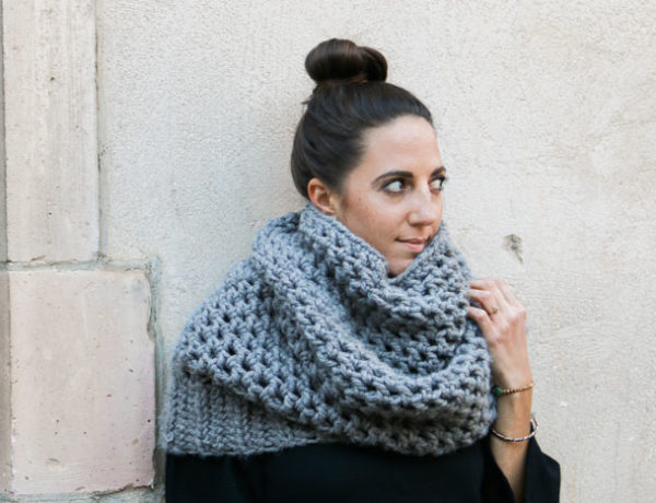 Love this stylish look with an oversized grey crochet hooded cowl. Get the free crochet pattern from Make & Do Crew. Great beginner project and tutorial!