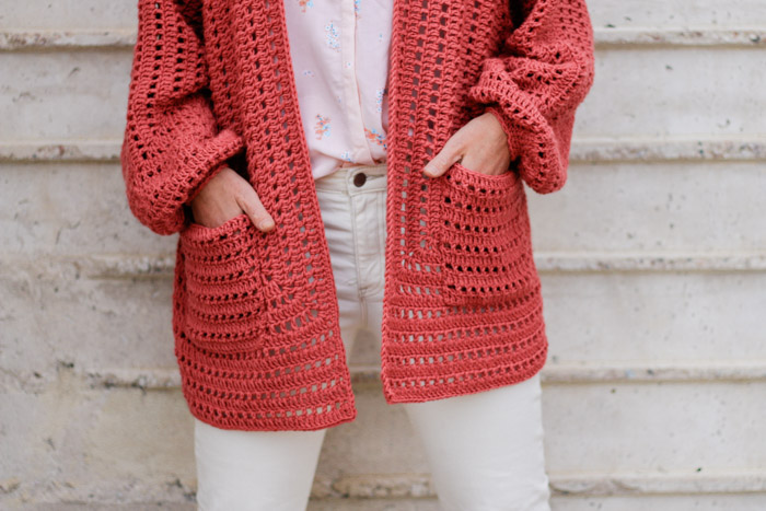 Easy crochet hexagon pattern with pockets is lightweight and perfect for springtime. Made with Lion Brand Vanna's Style (a DK weight, category 3 yarn).
