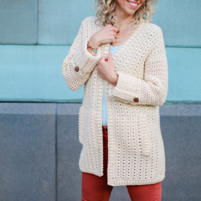 This lightweight crochet cardigan is perfect for spring and summer. Follow the free pattern (with plus sizes!) and video tutorial to make your own sweater!