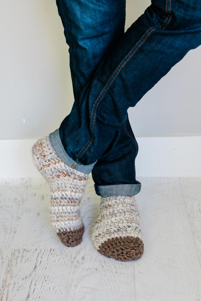 Free crochet slipper socks pattern for men and women. These make a great fast, easy crochet gift idea.