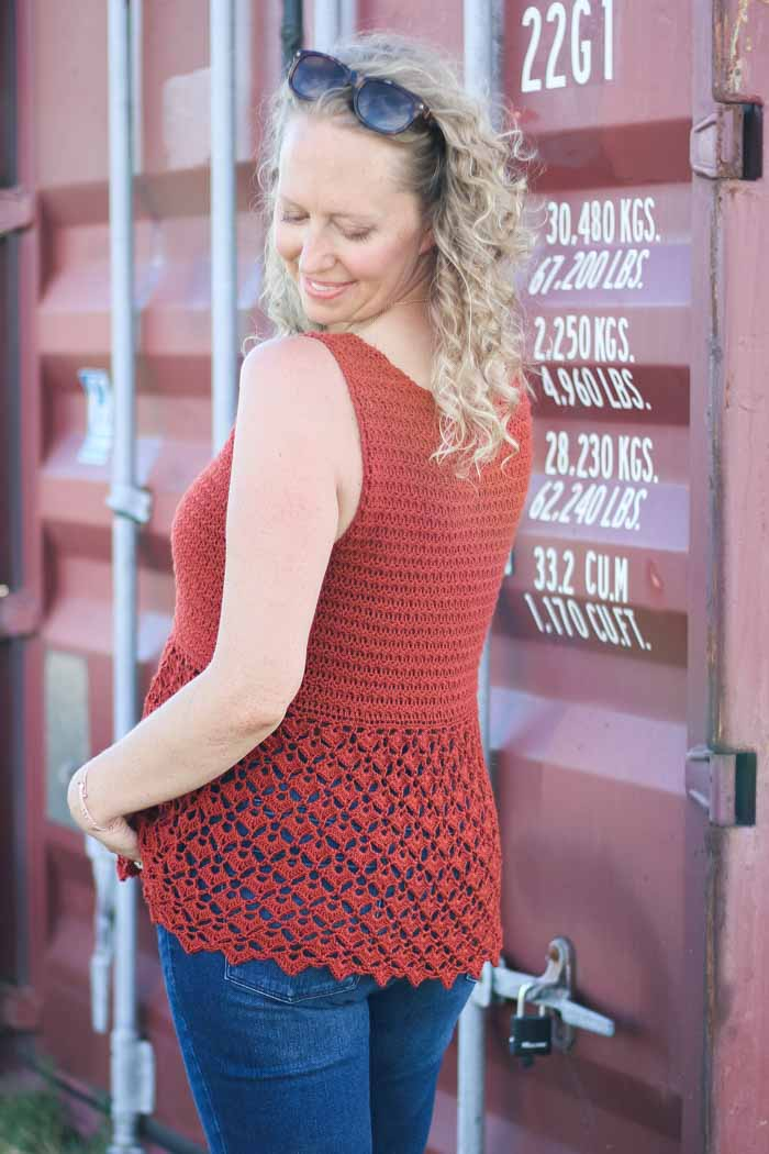 Free crochet tank top pattern with plus sizes.