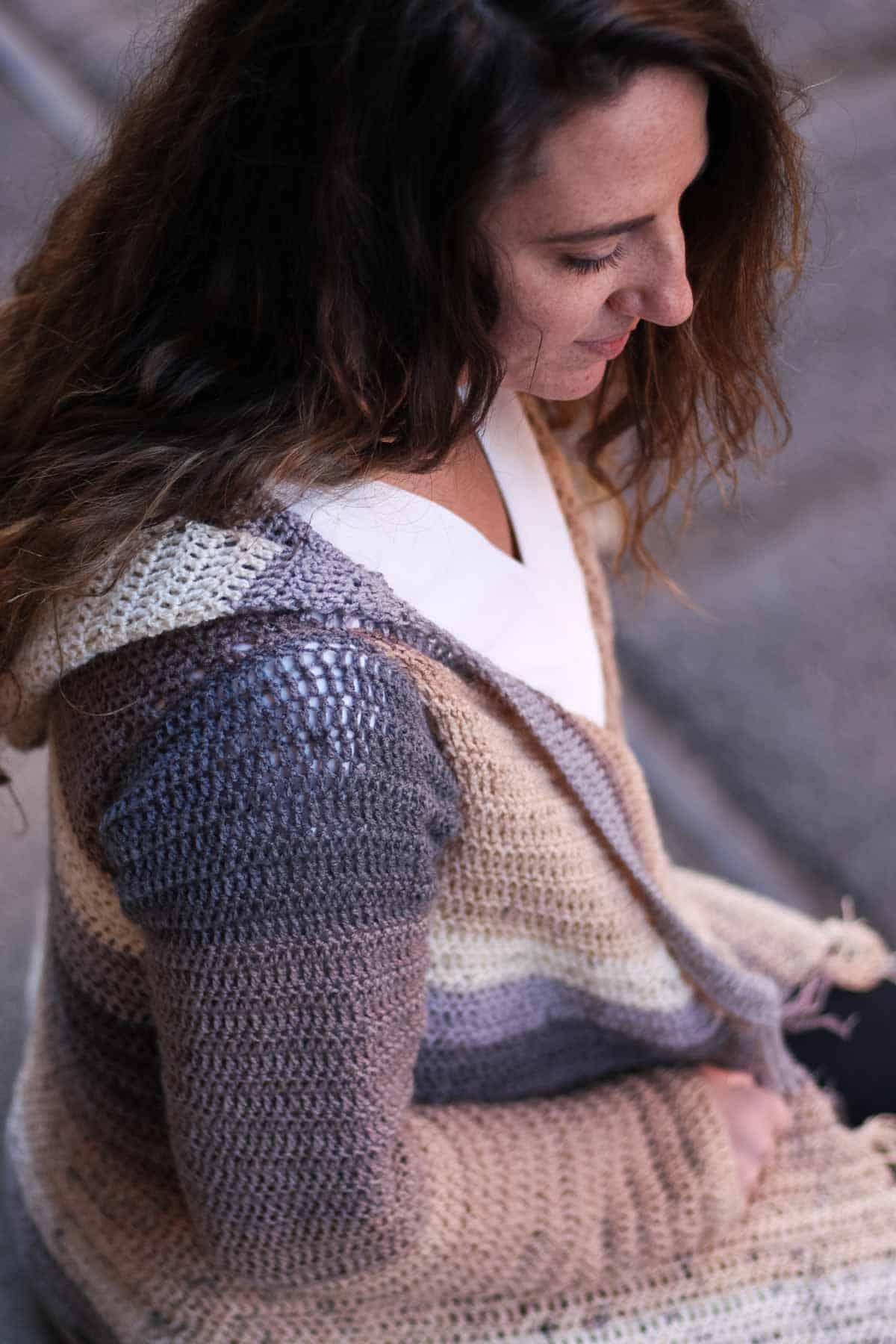 Free crochet sweater pattern to make with cake yarn (Mandala, Cupcake, Sweet Roll, Jelly Roll)