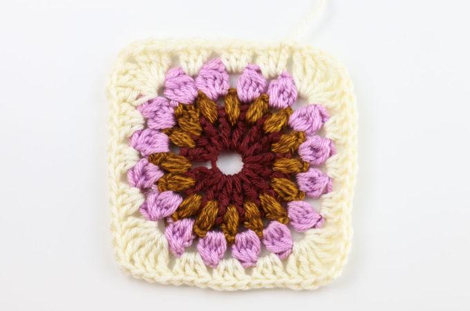 Beautiful Sunburst Granny Square Crochet Pattern + Video