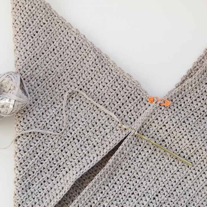How to crochet a market bag seaming instructions.