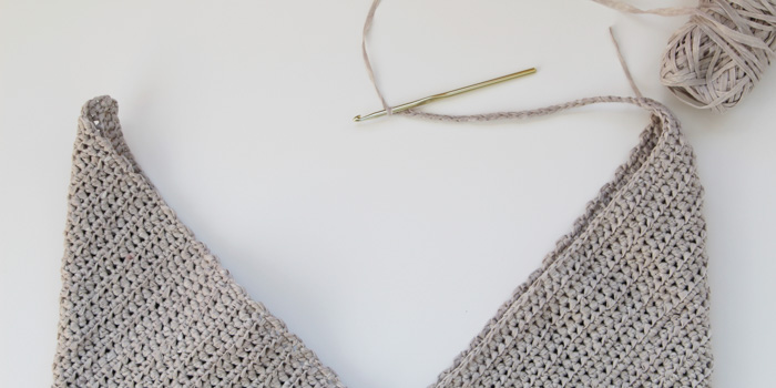 How to connect both sides of a beginner crochet tote bag.