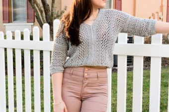 V-neck cropped crochet sweater with 3/4 length sleeves