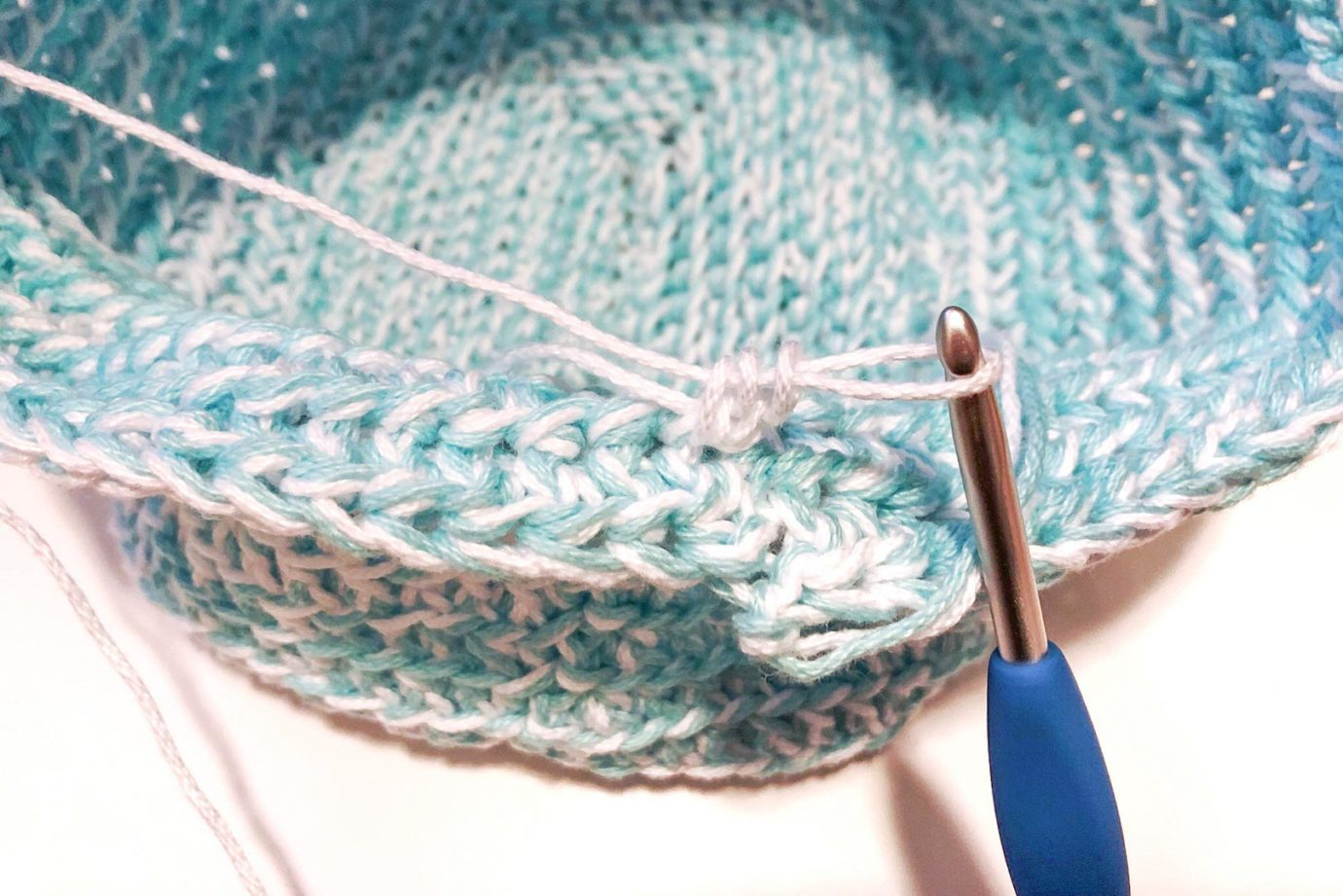 Crochet lunch bag free pattern and tutorial